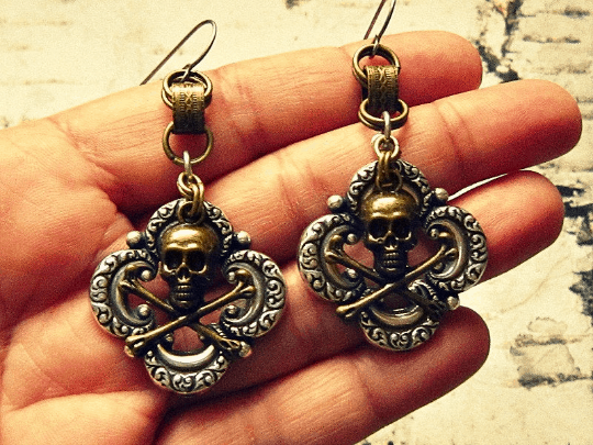 unique ladies skull and crossbones earrings